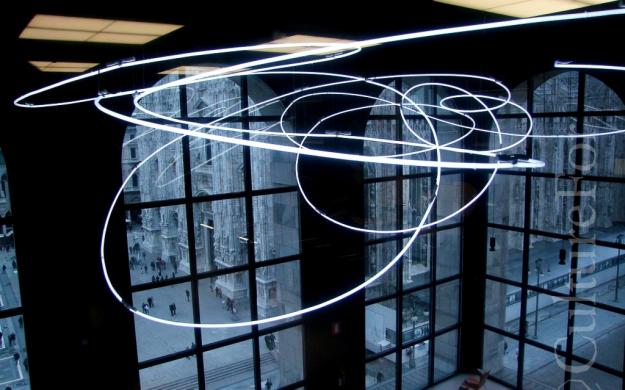 Museo del '900 Mlano Struttura al neon di Lucio Fontana